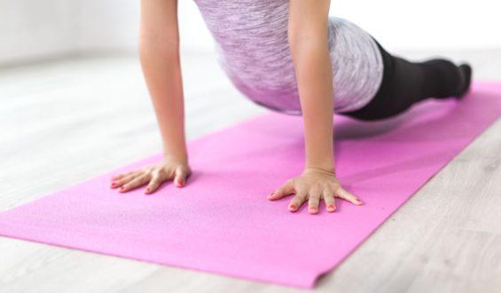 A to tylko jedne z wielu ćwiczeń, jakie wchodzą w skład jogi.